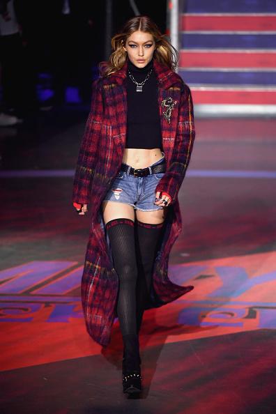 ロンドンファッションウィーク「Tommy Hilfiger TOMMYNOW Fall 2017 - Runway」:写真・画像(18)[壁紙.com]