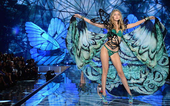 Victoria's Secret Fashion Show「2015 Victoria's Secret Fashion Show - Show」:写真・画像(17)[壁紙.com]