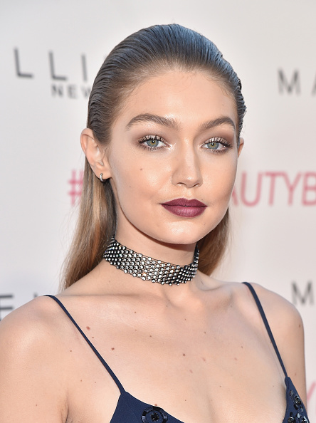 ファッション・コスメ「Maybelline New York Celebrates Their Latest Collection With An LA Beauty Bash Hosted By Gigi Hadid With Celebrity Makeup Artist Erin Parsons」:写真・画像(12)[壁紙.com]
