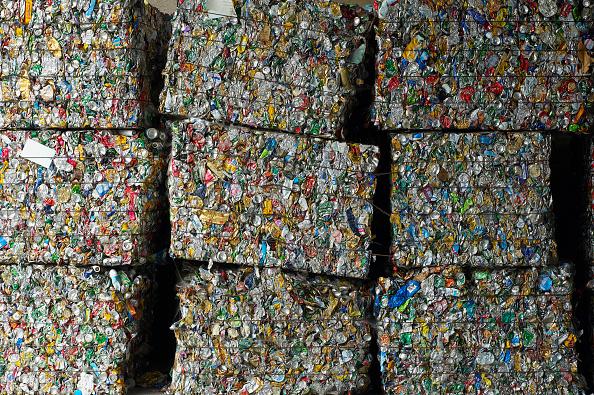 Bottle「Waste segregation, Etampes, France」:写真・画像(1)[壁紙.com]