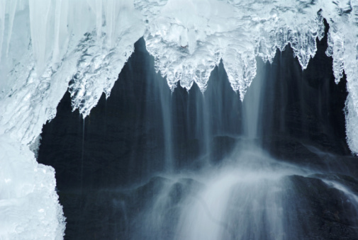 Icefall「A huge amount of ice and icicles hanging down」:スマホ壁紙(11)