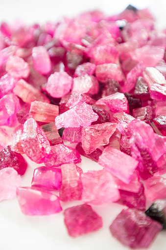 Rajasthan「Ruby rough gemstones」:スマホ壁紙(8)