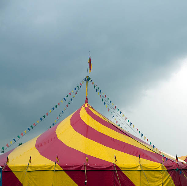 circus with colorful flags and pennants:スマホ壁紙(壁紙.com)