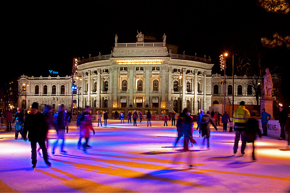 City Life「Burgtheater With Ice Rink」:写真・画像(11)[壁紙.com]