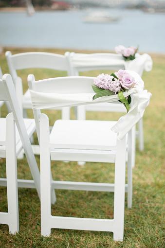 結婚「Outdoor wedding ceremony set up on the water」:スマホ壁紙(2)