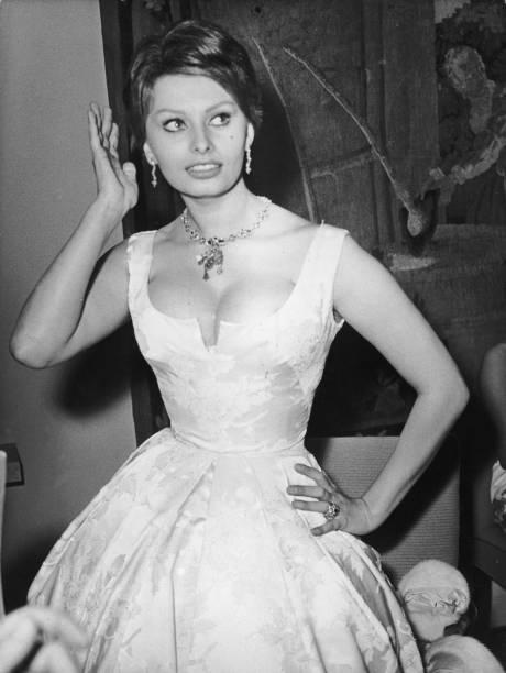 Sophia Loren:ニュース(壁紙.com)
