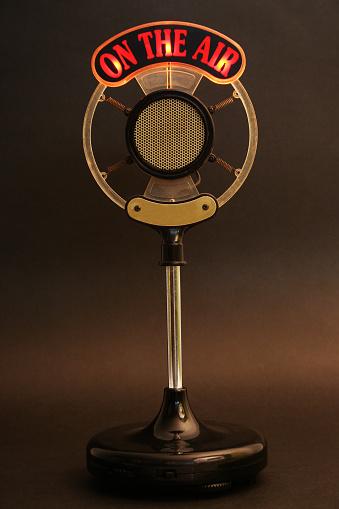 The Media「On the air microphone」:スマホ壁紙(13)