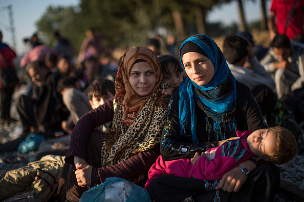 Land Vehicle「Migrants Gather At Greece-Macedonia Border As They Continue Their Journey Into Europe」:写真・画像(18)[壁紙.com]