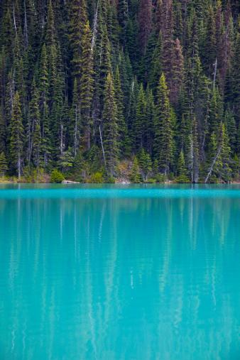Joffre Lakes Provincial Park「Blue Glacial Lake」:スマホ壁紙(11)