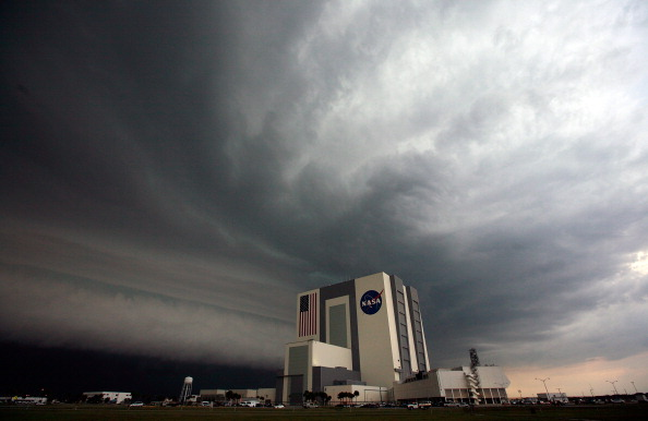 Vehicle Assembly Building「NASA Prepares For Final Launch Of Space Shuttle Endeavour」:写真・画像(8)[壁紙.com]