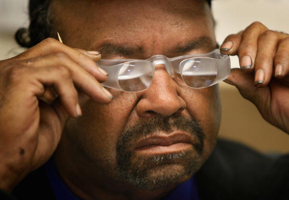 Eyesight「Chicago Area Veterans Hospital Works With Blind Patients」:写真・画像(19)[壁紙.com]