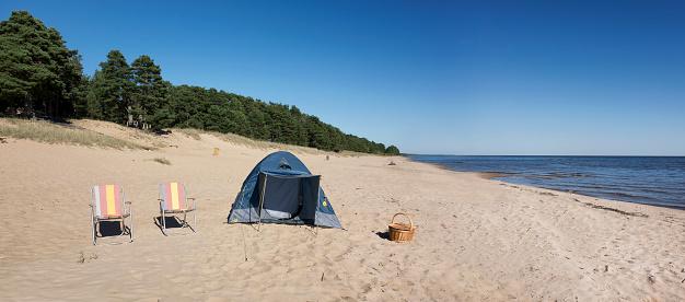 Camping Chair「Estonia, two folding chairs and a tent on Kauksi beach at Lake Peipus」:スマホ壁紙(19)