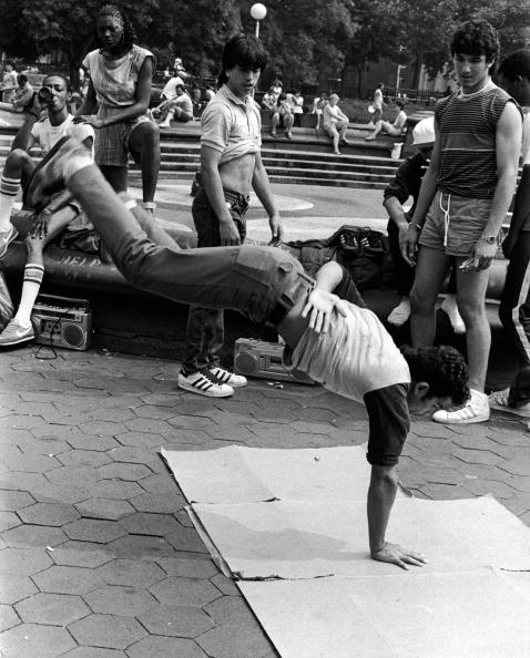 1980-1989「Breakdancing In Washington Square Park」:写真・画像(9)[壁紙.com]