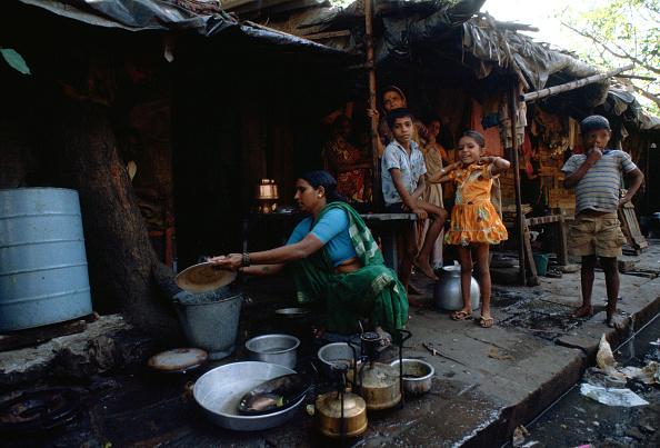 City Life「Family Living on Street, Bombay, India」:写真・画像(11)[壁紙.com]