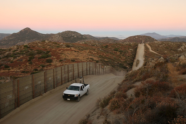 History「Tension Rise On Mexican Border After Border Patrol Agent Slain Last Week」:写真・画像(16)[壁紙.com]