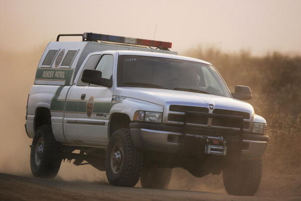 Baja California Peninsula「Minutemen Break-Away Group Patrols California-Mexico Border」:写真・画像(0)[壁紙.com]
