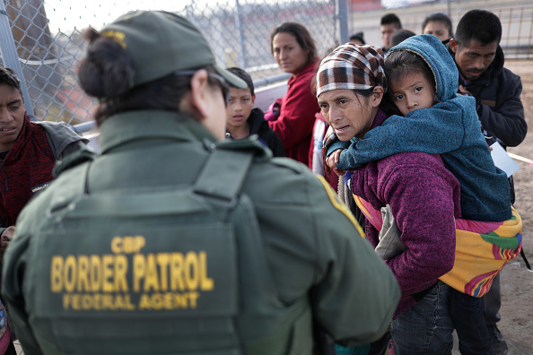 United States Border Patrol「U.S. Customs And Border Patrol Agents Patrol Border In El Paso, TX」:写真・画像(3)[壁紙.com]