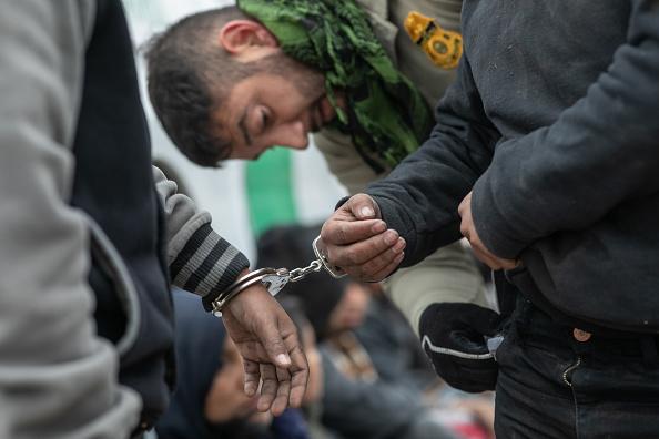 Detainee「US Border Agents Patrol Rio Grande Valley As Migrant Crossings Drop」:写真・画像(13)[壁紙.com]