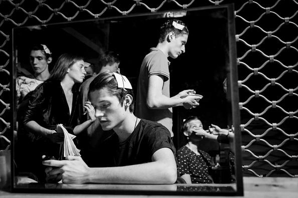 Tristan Fewings「22/4_Hommes : Backstage - Paris Fashion Week - Menswear Spring/Summer 2017」:写真・画像(16)[壁紙.com]