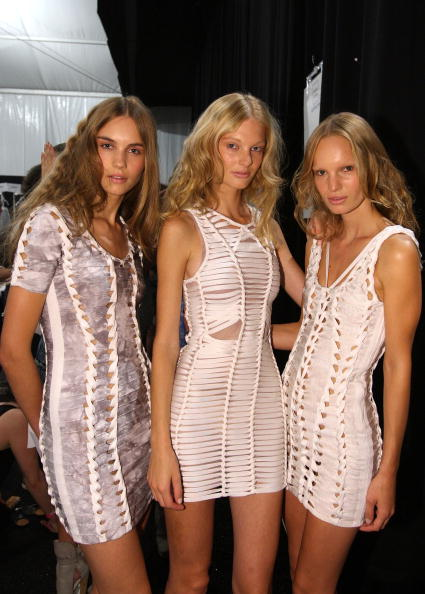 Atmosphere「Herve Leger - Backstage - Spring 2010 MBFW」:写真・画像(7)[壁紙.com]