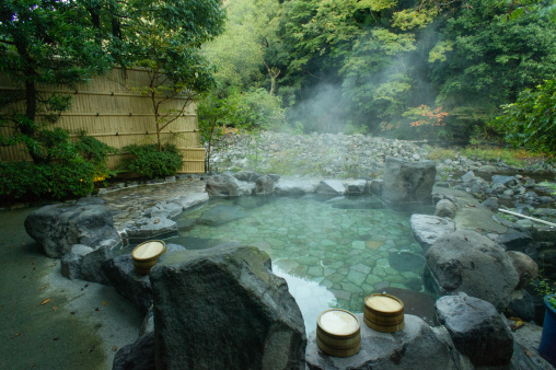 伝統「Natural hot spring bath, Hakone, Japan」:スマホ壁紙(11)