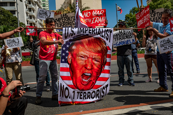 Ezra Acayan「Filipinos Rally Against U.S. Strike On Iranian Military Commander Qasem Soleimani」:写真・画像(1)[壁紙.com]
