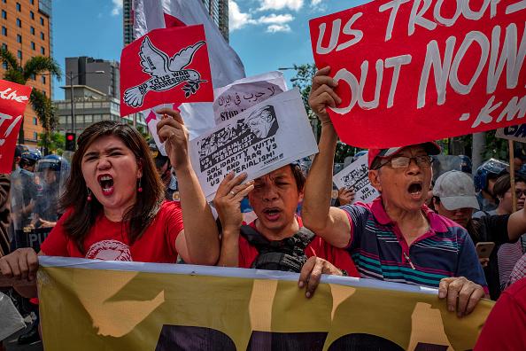 Ezra Acayan「Filipinos Rally Against U.S. Strike On Iranian Military Commander Qasem Soleimani」:写真・画像(0)[壁紙.com]
