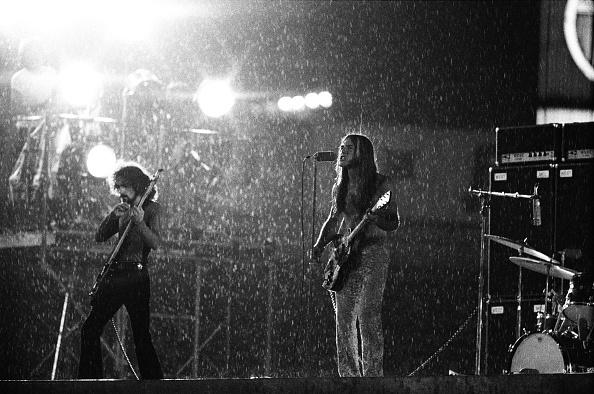 雄大「Grand Funk Railroad Playing In Heavy Rain At Korakuen Stadium」:写真・画像(14)[壁紙.com]