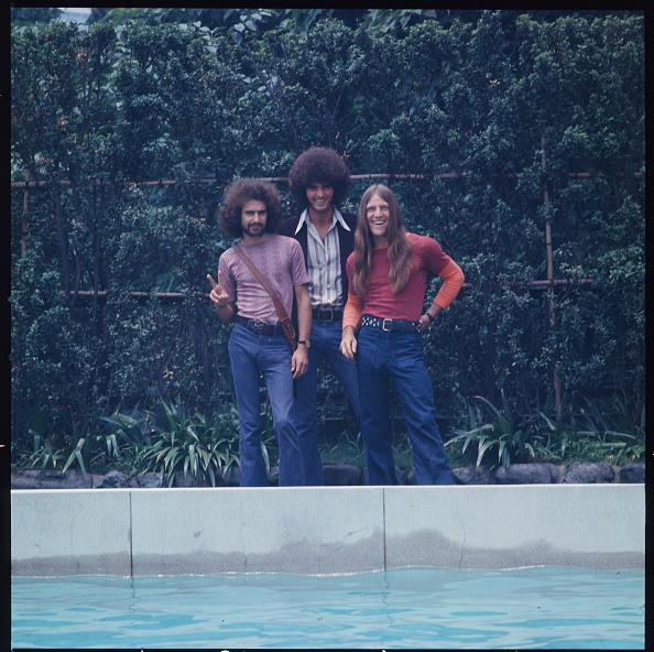 雄大「Grand Funk Railroad Photo Session At Hotel Poolside On Their First Visit To Japan」:写真・画像(7)[壁紙.com]