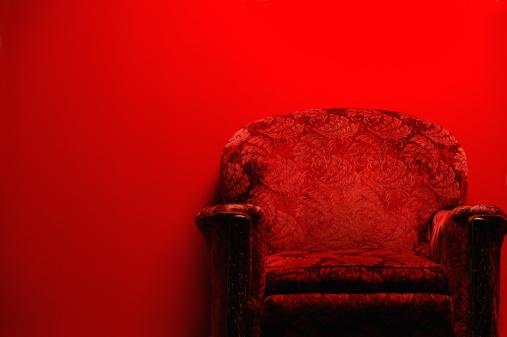 Red「Red sofa」:スマホ壁紙(18)