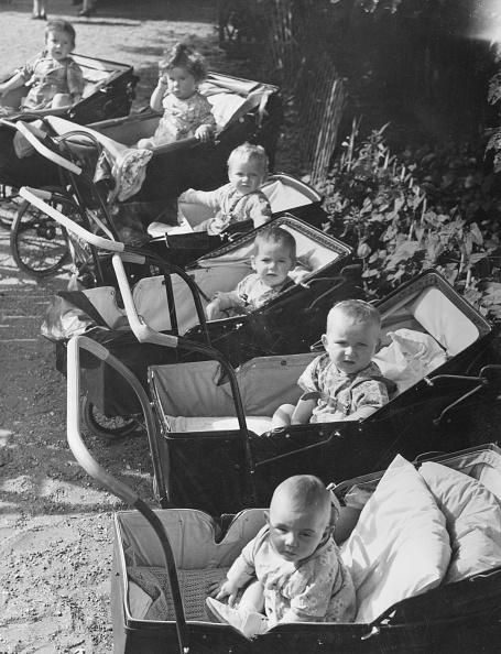 Fred Morley「Sitting In Prams」:写真・画像(18)[壁紙.com]