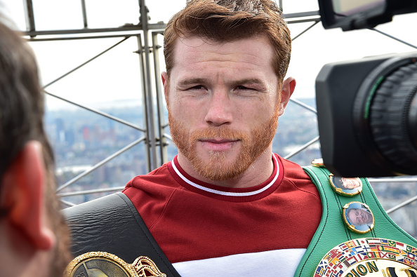 Saul Alvarez「Empire State Building Hosts Boxing Champs Canelo Alvarez And Rocky Fielding」:写真・画像(6)[壁紙.com]