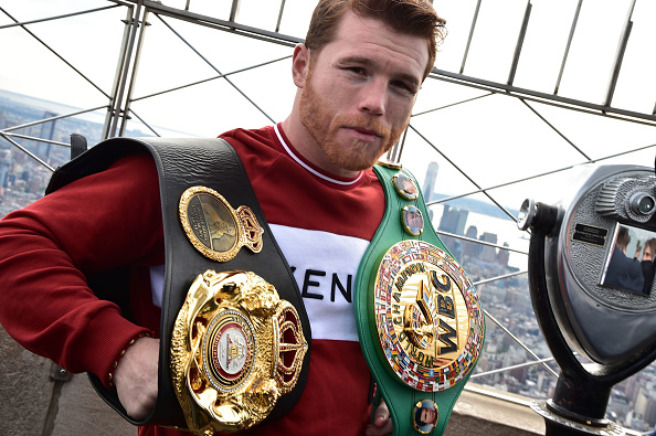 Saul Alvarez「Empire State Building Hosts Boxing Champs Canelo Alvarez And Rocky Fielding」:写真・画像(5)[壁紙.com]