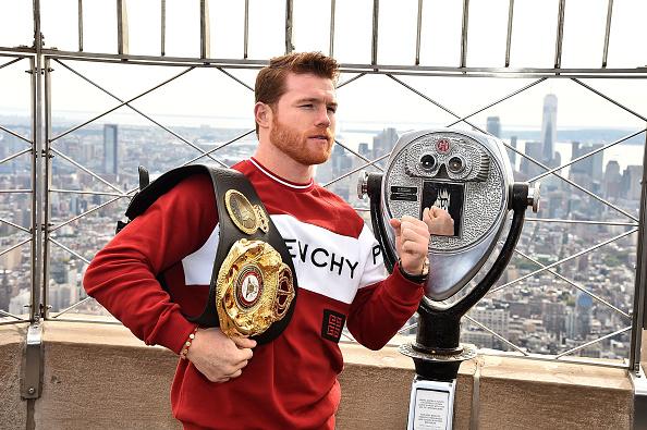 Saul Alvarez「Empire State Building Hosts Boxing Champs Canelo Alvarez And Rocky Fielding」:写真・画像(6)[壁紙.com]