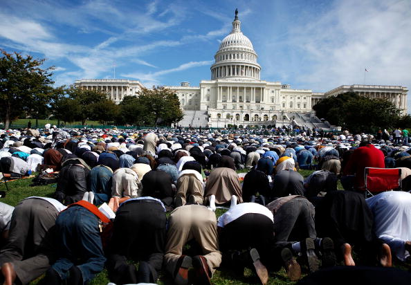 アメリカ合州国「Muslims Hold Day Of Prayer On Capitol Hill」:写真・画像(3)[壁紙.com]
