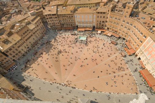Town Square「Piazza del Campo」:スマホ壁紙(4)