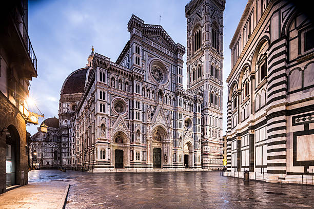 Piazza del Duomo and the Duomo in Florence.:スマホ壁紙(壁紙.com)
