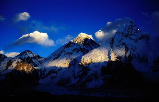 Kala Pattar「Mt Everest (8850m) & Nuptse (8501m) at sunset from Kala Pattar (5545m).」:スマホ壁紙(10)