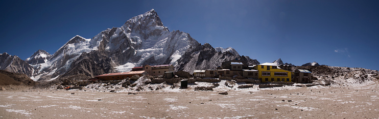 Khumbu「Mt Everest panorama from Kala Patthar with Gorak Shep in the foreground, Everest Base Camp Trek, Nepal」:スマホ壁紙(5)