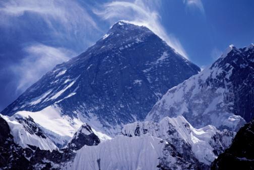 Khumbu「Mt Everest with clouds」:スマホ壁紙(15)