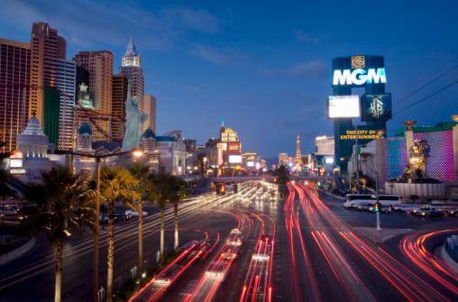 2007「USA, Nevada, Las Vegas, Las Vegas strip with skyline at night」:スマホ壁紙(1)