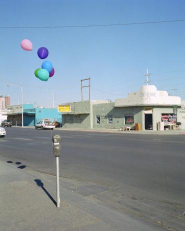 Boulevard「USA, Nevada, Las Vegas, balloons tied to parking meter」:スマホ壁紙(11)