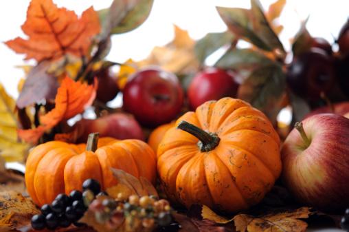 かえでの葉「秋の装飾」:スマホ壁紙(14)