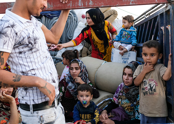 Refugee「Refugee Camps Swell In Northern Iraq As Syrians Flee Recent Fighting」:写真・画像(15)[壁紙.com]