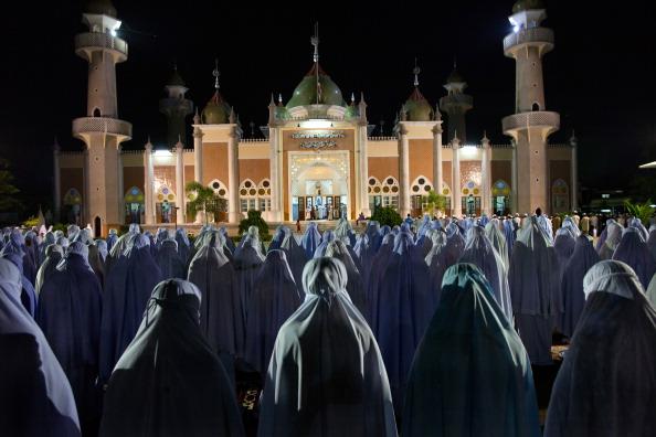 Paula Bronstein「Muslims Mark Ramadan In Southern Thailand」:写真・画像(9)[壁紙.com]