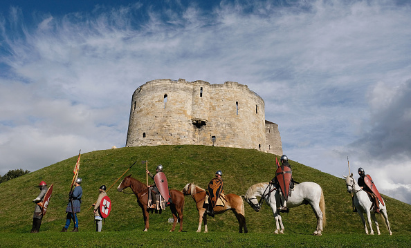 Historical Reenactment「The 1066 March Sets Off For Hastings」:写真・画像(2)[壁紙.com]