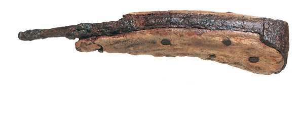 Animal Body Part「Iron razor with antler handle riveted on; from the 1988–90 excavations at the Rose playhouse, 2–10 Southwark Bridge Road, London」:写真・画像(0)[壁紙.com]