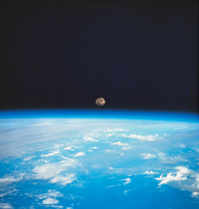 月「view from space of the earths surface with the moon on the horizon」:スマホ壁紙(14)