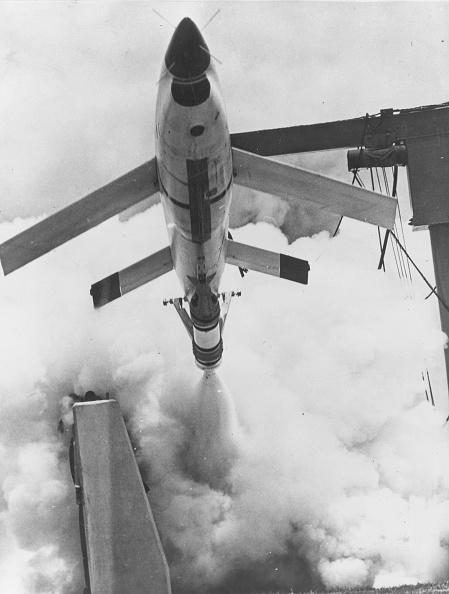 Photoshot「Buzz Bomb」:写真・画像(0)[壁紙.com]