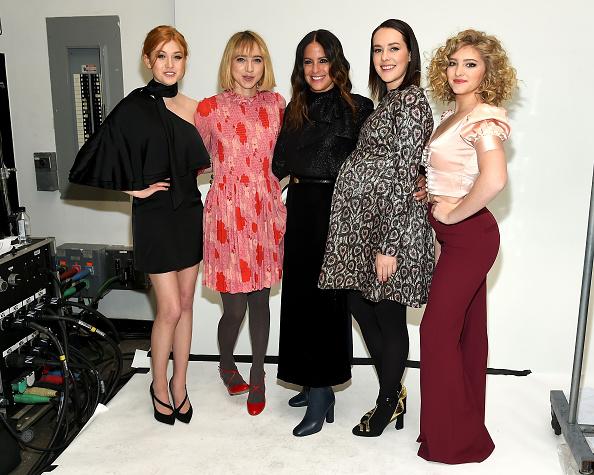 Katherine McNamara「Jill Stuart - Backstage - Fall 2016 New York Fashion Week」:写真・画像(8)[壁紙.com]